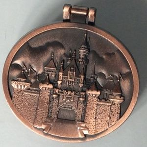 Disney Parks Collector Pin/Locket 🏰